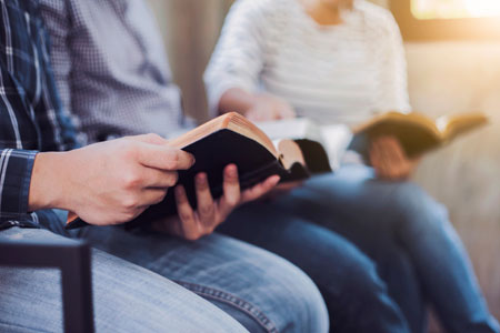 Bible reading group 450 Shutterstock